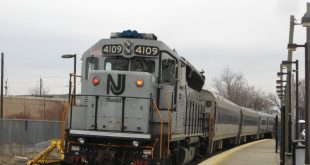 njtr_4109_pushes_train_1628