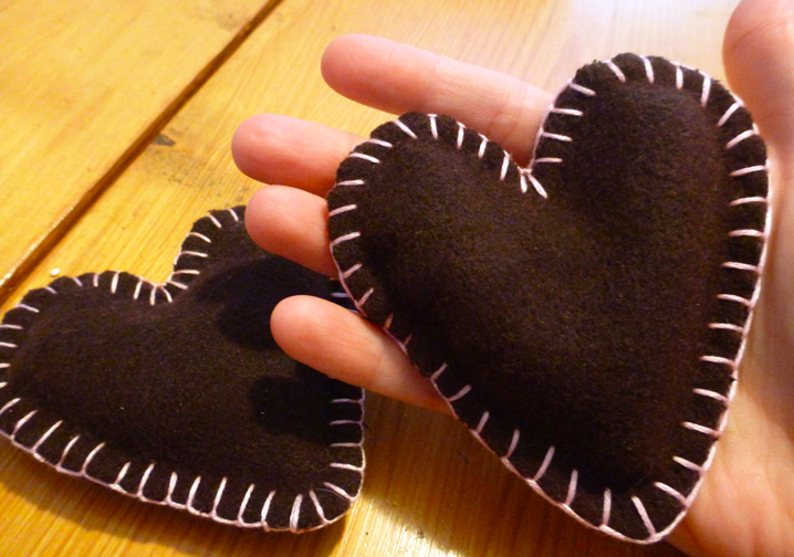DIY: Toasty Hands For A Chilly Night