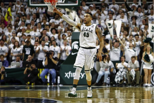 Michigan+State+guard+Denzel+Valentine+celebrates+after+making+a+3-pointer+in+the+first+half+of+against+Louisville.+Photo+from+MLive.com