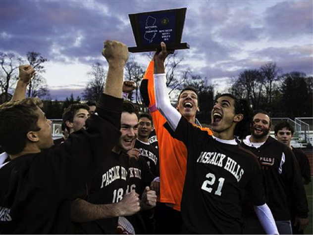 Pascack+Hills+takes+down+Ramsey+in+PK%E2%80%99s+to+win+first+State+Sectional+title+since+1985