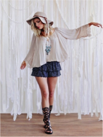 An example of the festival trend. Photo by fashion-eye.net