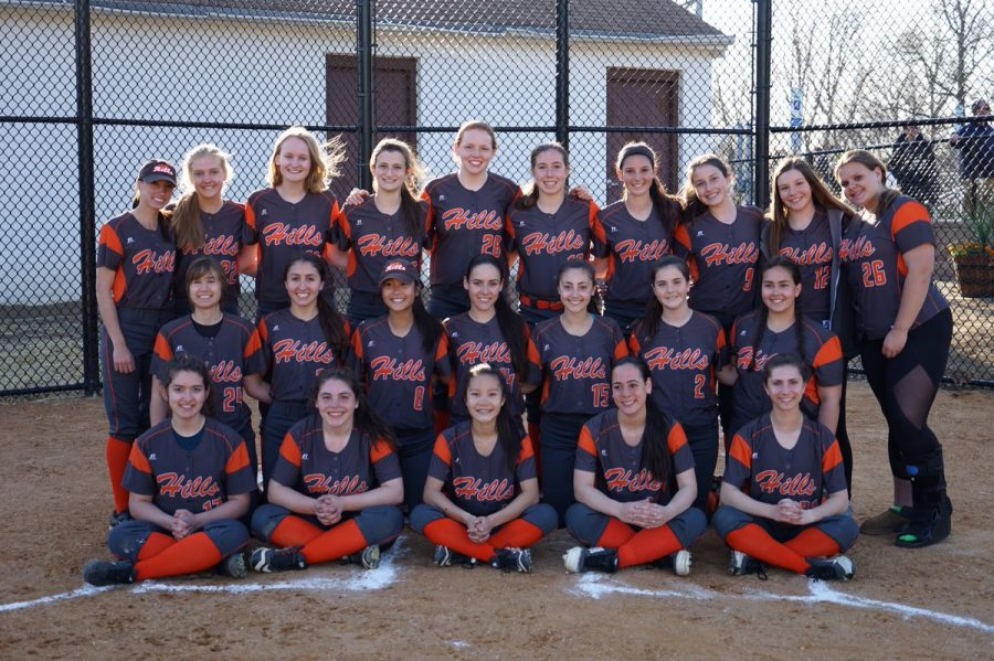 The Pascack Hills softball team in 2019.